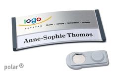 Navneskilt med logo - med paktisk magnet påsætning