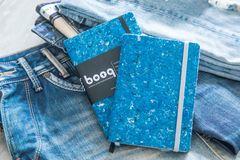 Miljørigtig Notesbog af upcycled tekstiler og genanvendt papir