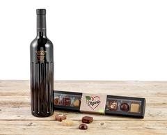 Øko Delikatesser med dejlig rødvin og lækker chokolade
