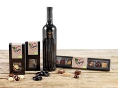 Øko Delikatesser med dejlig rødvin, lækker chokolade og slik