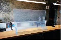 Plexiglas beskyttelse til at stille på disk eller bord
