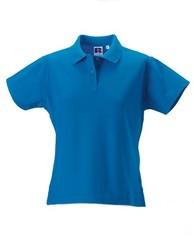 Klassisk polo shirt med logo. Tilbydes i dame- og herremodel