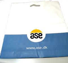 Plastpose med logo tryk - 50 my med bund. Pris incl. afgift, uden Kliché.